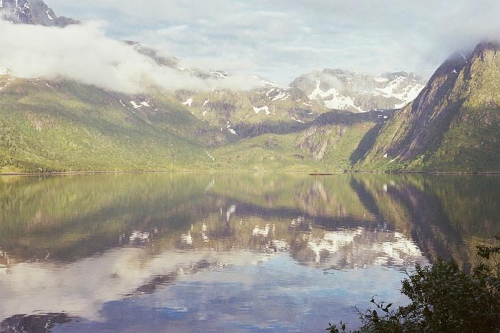 Gespiegelte Berge