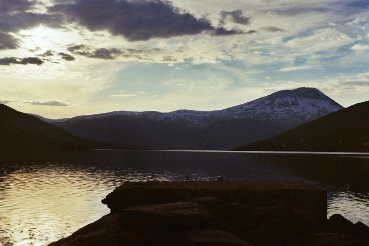 Himmel See und Steg